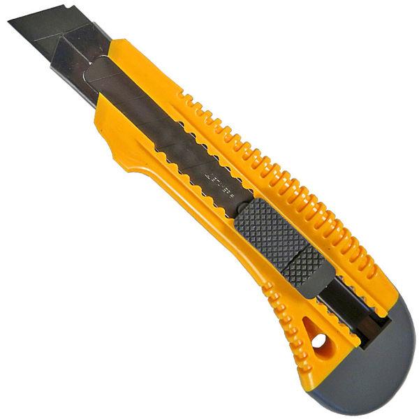 """Нож STAYER """"STANDARD"""" с выдвижным сегмент. лезвием, пластмасс. упроч.,18мм Image"""